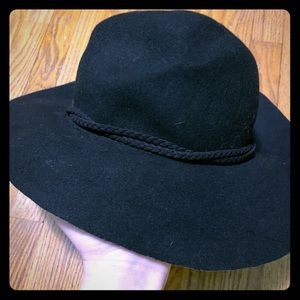 American Eagle Black Floppy Hat